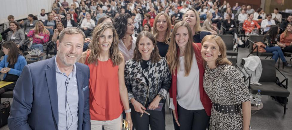 Remo Steinmetz, Petra Ehmann, Melanie Gabriel, Sunnie Groeneveld, Claudia Cordioli Back, from left to right: Janine Fuchs, Hana Disch