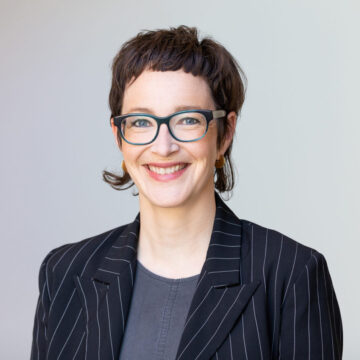 Portrait photo of role model Sylvie Reinhard on We Shape Tech website